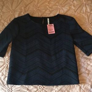 Willow & Clay navy and black top
